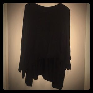 Black high low knit top